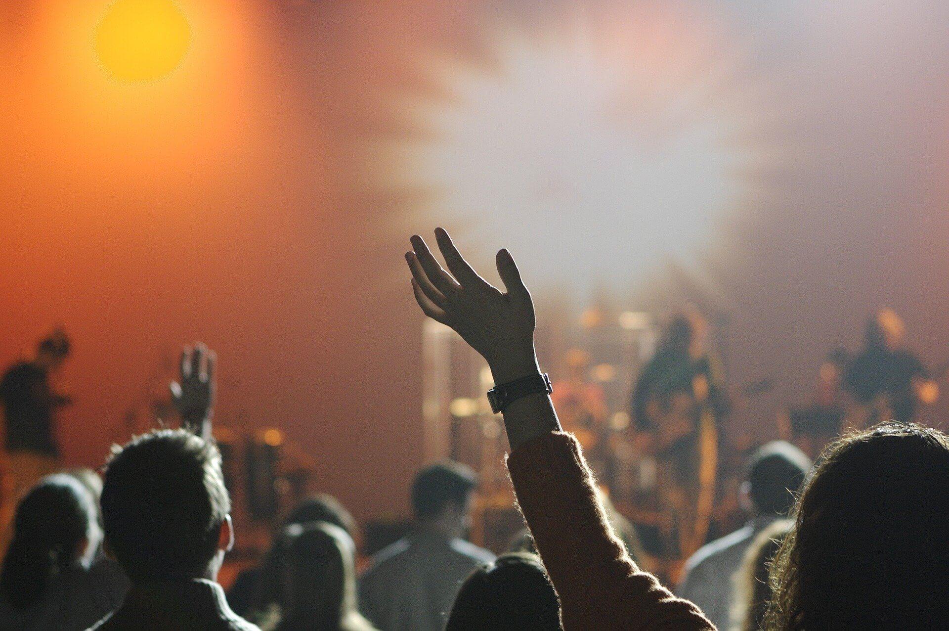 FNS歌謡祭2020のSixTONES出演は何時?歌う曲は何?出演時間を大予想!