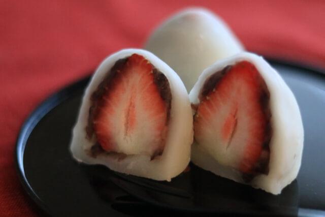 イチゴ大福を手作りする時に固くなるのを防ぐ方法