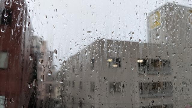梅雨前線はどんな記号?梅雨前線とは?